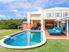 居外网在售美属维京群岛3卧4卫的房产总占地5908平方米USD 2,495,000