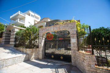 居外网在售希腊3卧3卫最近整修过的房产总占地988平方米EUR 1,375,000