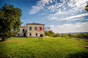 居外网在售罗马尼亚Herăști总占地37900平方米的乡郊地产