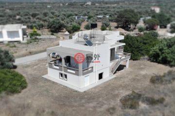 居外网在售希腊3卧2卫原装保留的房产总占地1150平方米EUR 250,000
