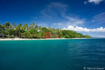 居外网在售瓦努阿图卢甘维尔EUR 85,000总占地1200平方米的土地