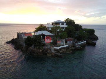 居外网在售菲律宾Anilao13卧13卫的房产总占地23500平方米USD 3,700,000
